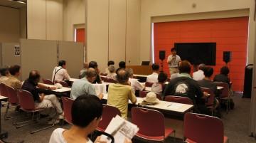 資料展展示解説は、桑名市博物館学芸員 杉本竜さんです。