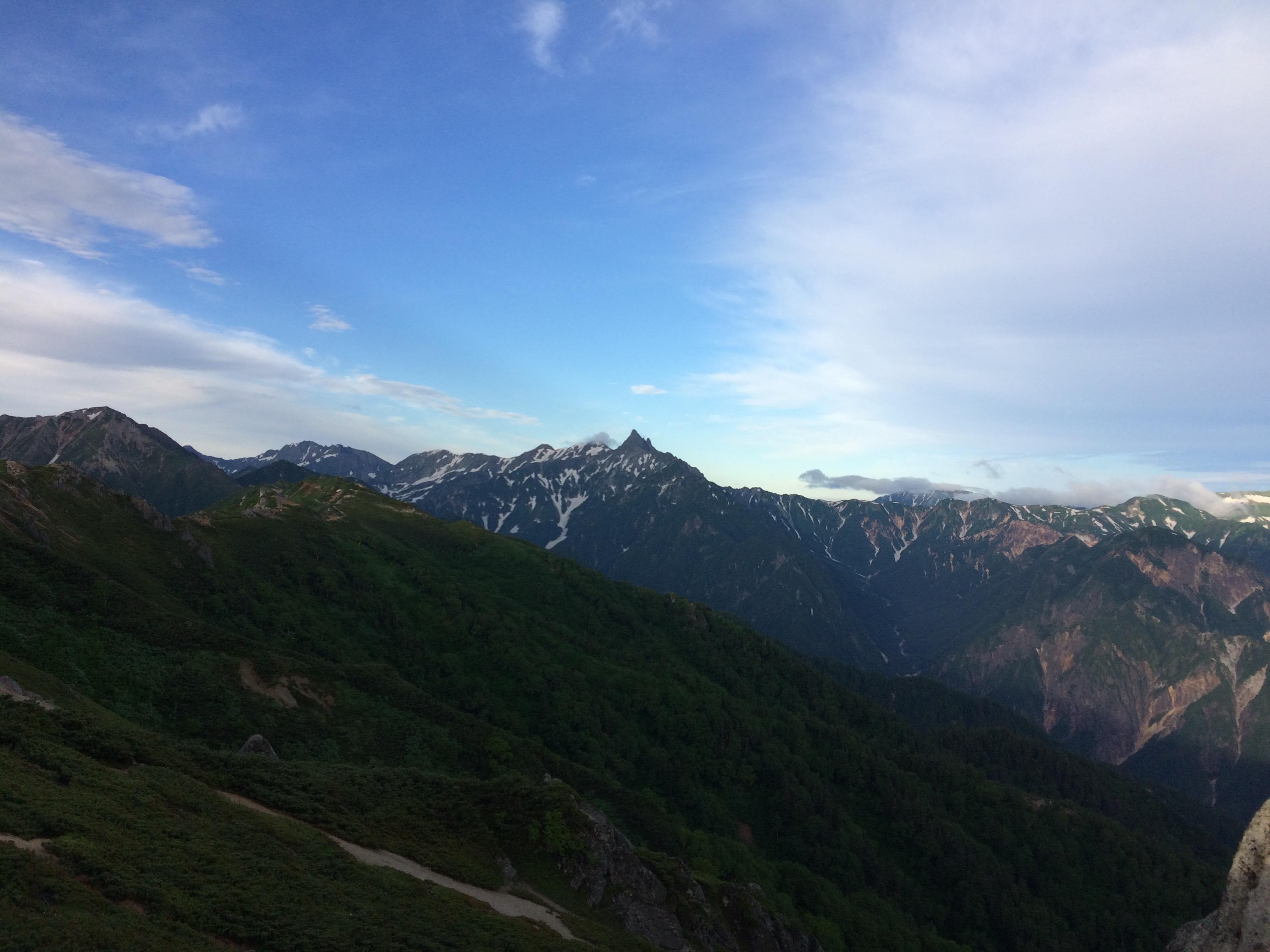 燕岳から望む槍ヶ岳